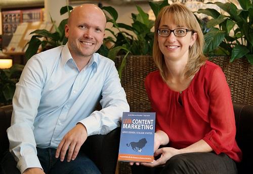 """Das Erstlingswerk """"Lean Content Marketing – Gross Denken. Schlank Starten."""" von Sascha Tobias von Hirschfeld und Tanja Josche liefert Tipps & Tricks für den Einstieg ins B2B Content Marketing."""