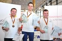 showimage Siegerpokal und WM-Ticket: Silas Gschwender von der SICK AG gewinnt Deutsche Meisterschaft der Industrieelektroniker