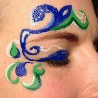 showimage Schöne Augen im Karneval trotz Schminke und Kontaktlinsen