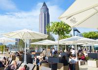 showimage ALEX Skyline Plaza Frankfurt eröffnet auf Deutschlands einzigartigstem Dachgarten