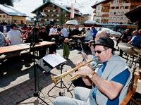 Erst Schwingen, dann Swingen: Pistenfrühling in Altenmarkt-Zauchensee