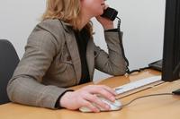 Schreibtischarbeit: 70.000 Stunden Stress für die Ellenbogen