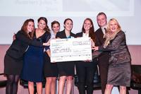 CBS-Studierende sammelten 13.000 Euro für Kinderwünsche