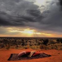 Abendessen in der Weite der Kalahari