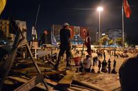 Politische Unruhen im Reiseland - Wie kann ich mich versichern?