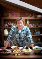 Premiere auf hoher See: Royal Caribbean International holt Jamie Oliver an Bord der Quantum-Klasse