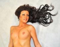 Erstmalig erotische und energetische Foto-Projektions-Übermalungen von Cornelius Richter