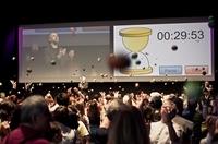 580 begeisterte Teilnehmer beim Jonglier-Wettbewerb in der BMW Welt