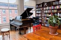 Wo schläft Ashton Kutcher? Airbnb klärt auf.
