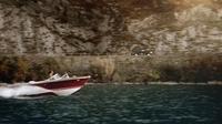 Toyota Land Cruiser V8 fährt in James Bond-Manier vor