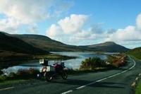Motorrad mieten und Irlands wilden Westen erleben.