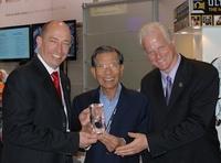 """Ultrasone ehrt koreanischen Vertrieb mit dem """"Distributor Of The Year""""-Award"""