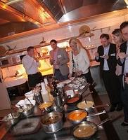 Der etwas andere Kochkurs in Köln - die Xing Regionalgruppe trifft sich zum Netzwerken bei der kitchenparty im taku