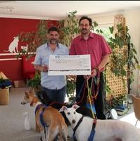 ANUBIS-Tierbestattungen spendet für Tierheim Feucht
