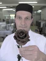 showimage Muttertag: bayerischer Schokoladekönig macht Rosen zur exklusiven Leckerei