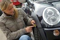 Reifenkontrolle: Sicher mit dem Auto unterwegs
