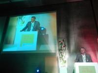 Vision Award 2012: Verleihung des Vision Award 2012 an den Gründer der AfB gGmbH social & green IT