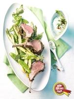 Neuseeländisches Lammkarree mit gebratenem grünen Spargel