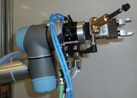 Berner & Mattner: MESSINA RS Testautomatisierung für Infotainment-/Interieur-Elektronik - Roboter ersetzt manuelles Testen