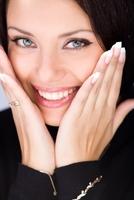 Neu ! Sommer-Angebot! Power-Lift Kosmetikbehandlung im LAJOLI Schönheitsinstitut