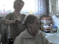 Altenbetreuung - gesellschaftliche Last oder notwendiges Übel