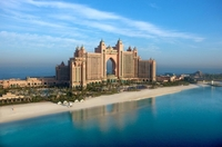 JT TOURISTIK: EM-GENUSS AUF RIESENLEINWAND IN DUBAI