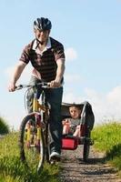 Für mehr Sicherheit: Kinderfahrradanhänger