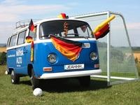 Die VW-Profis bewundern Nils