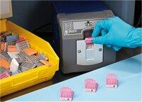 Gewebekassetten für Biopsien sicher und dauerhaft etikettieren und kennzeichnen