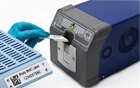 Labor-Kennzeichnung:  Sichere Etikettenfixierung auf Gewebekassetten