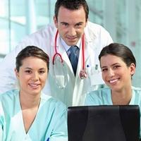 Neu. Antibakterielle Berufskleidung für den Arzt und sein Team