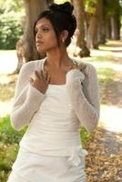 Der schönste Tag im Leben einer Braut - abgerundet durch Boleros des Unternehmens Bee Mohr