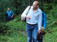 Wandern Sie mit Michael Walchhofer in Zauchensee und steigern Sie im Familienhotel Zauchenseehof Ihr Wohlbefinden.