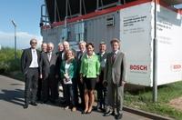 Bundesumweltminister besichtigt Anlage zum Abwärme-Recycling von Bosch KWK Systeme