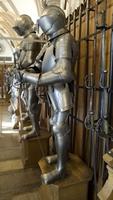 Früh übt sich….  Einmalige Kinderrüstung in Europas größter privater Waffensammlung