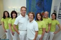 Mönchengladbach, Zahnarzt Dr. Schafhausen: Mit Zahnpflege und zahnärztlicher Vorsorge zum strahlenden Lächeln