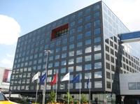 plug and work expandiert in die Schweiz