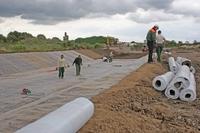 Gewässerschutz - Abdichtung für Regenrückhaltebecken schnell und wirksam