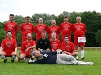 Fußball-Teams von Coca Cola, Endemol, Kölner Bank, BNP Paribas, Clark, Rimova u.v.m. spielen für guten Zweck