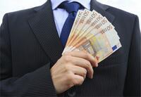Bei seriösen Kreditvermittlern kann man einen Kredit kostenlos und unverbindlich anfordern