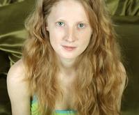 Pflanzenhaarfarbe für helle Haare: Logona und Sante