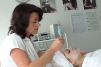 Teilzeitausbildung zur Kosmetikerin - Kosmetik, Kind und Kegel unter einem Hut