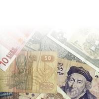 Wie kann ich am günstigsten Geld ins Ausland schicken?