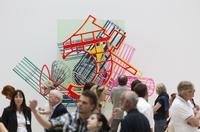 Erfolgreicher Start der Frank Stella - Ausstellung im Kunstmuseum Wolfsburg am 8. September 2012