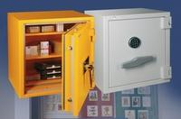 Tresore bieten Schutz gegen Diebstahl und Feuer für Sammler