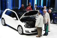 Der neue Golf im Volkswagen Pavillon vom ZeitOrt Autostadt