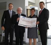 Spenden statt Schenken: arvato infoscore unterstützt die Marianne von Weizsäcker Stiftung mit 10.000 Euro