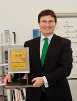 Überzeugung durch Motivation und Praxisnähe:   Michael Fridrich gewinnt als erster Freiberufler   den begehrten BaTB-Unternehmerpreis 2012!