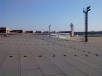 Sanierung Tempelhof: Monitoringsysteme für Hangar-Flachdächer