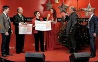 Radio VHR + H2Q Systems GmbH überreichen Spenden Schecks